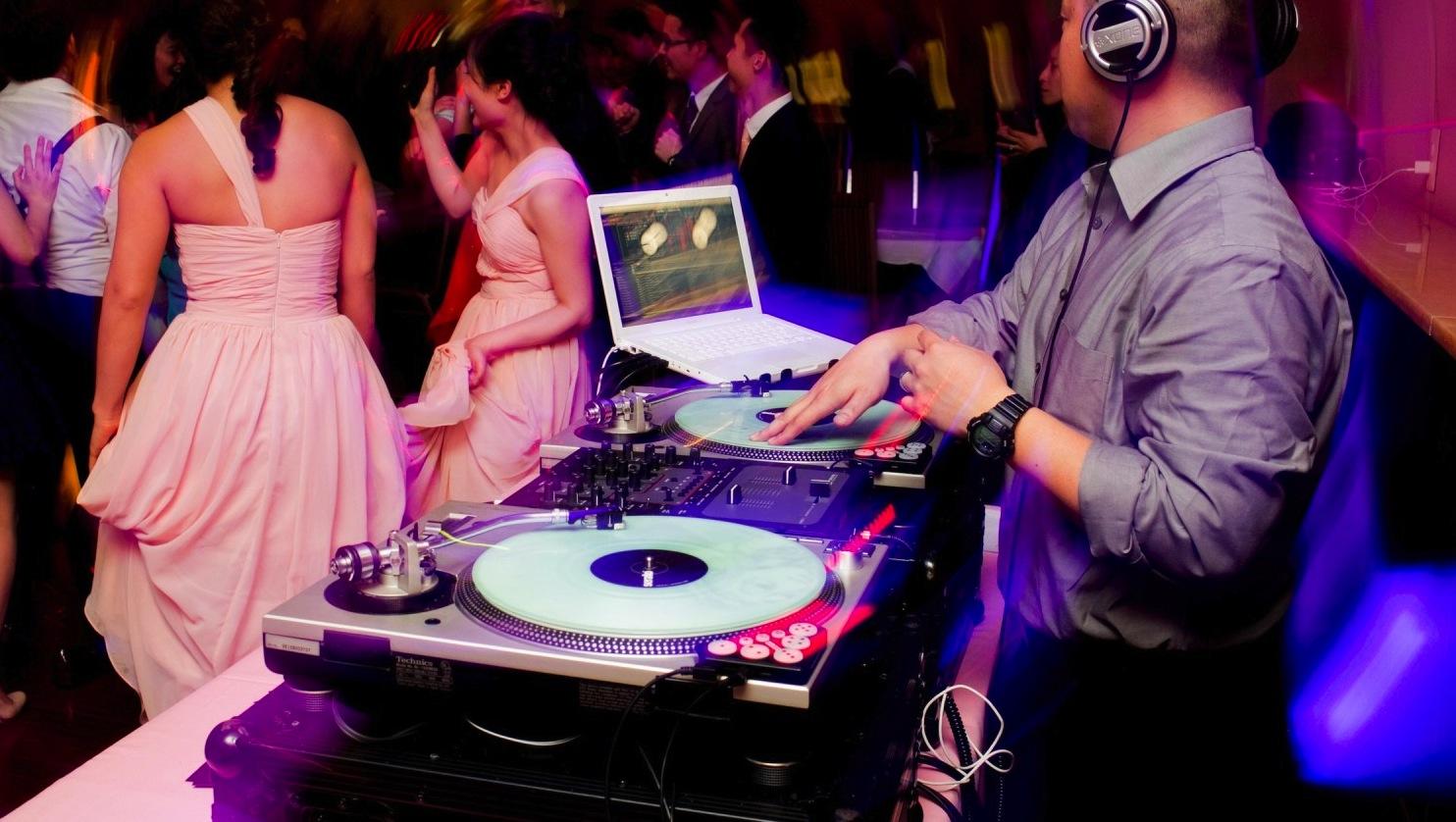 Mobile Wedding DJ